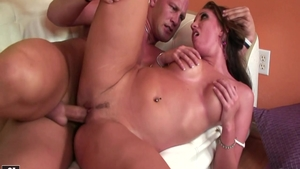 Deepthroat together with bald blonde Kelly Divine