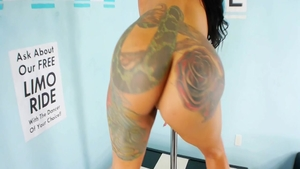 Solo big ass and inked Beauty Dior good fucking