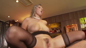 Young & big ass stepmom Daria Glover brutal cock sucking