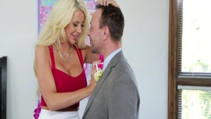 Big tits blonde Courtney Taylor craving good fuck
