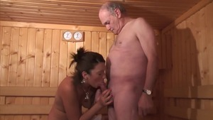 Threesome in the sauna amongst young european amateur