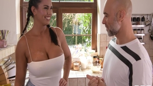 Good fuck starring very sexy brunette Chloe Amour