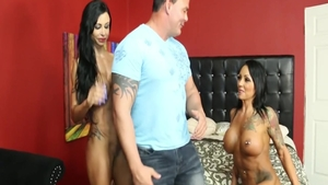 Large tits latina MILF Jewels Jade has a thing for sex scene