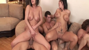 Beautiful stepmom Lindsey Meadows goes in for real fucking