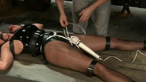 Stunning star Christina Carter gets a buzz out of tied up