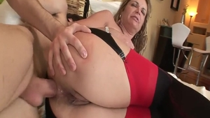 Young Kelly Leigh fucked missionary