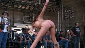 Contest in public with gorgeous chick