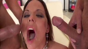 Simony Diamond gaping