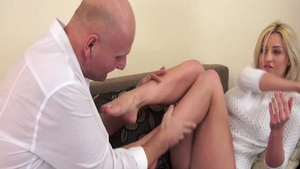 Young babe Sienna Day has a passion for hard pounding HD