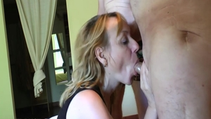 Passionate french amateur digs hard fucking HD