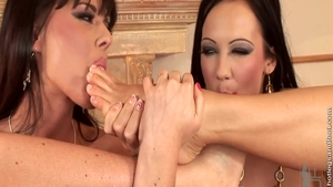 Regina Moon accompanied by Simony Diamond feet fetish