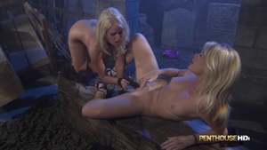 Fucking hard along with huge boobs stepmom Alexis Ford