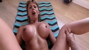 Busty & horny Amber Chase pussy eating