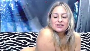 Big boobs blonde babe russian blowjobs on webcam solo