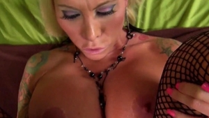 Hard ramming in the company of inked pornstar