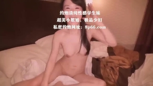 Chubby japanese babe squirts in HD
