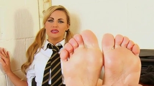 Tickle in company with kinky british amateur