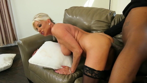 Getting a facial young mature in tight stockings
