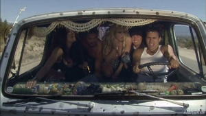 Cuddling orgy along with perfect body MILF Jessica Drake