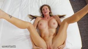 Orgasm with stunning amateur