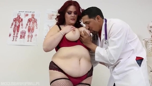 Doctor Alexa Grey medical handjob in clinic