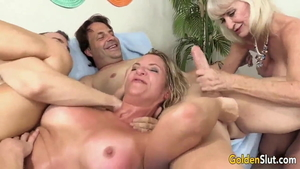American swinger cum in mouth