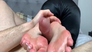 Asian wishes for homemade footjob