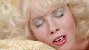Gorgeous girl Carol Connors goes in for raw sex