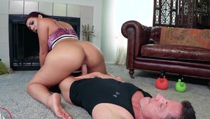 Pornstar Valentina Jewels rough receiving facial cum loads