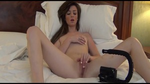 Young amateur fisting in hotel
