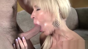 MILF Erica Lauren cock sucking